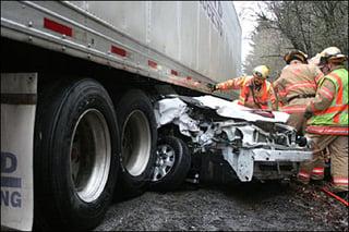 truck-accident-gobytrucknews.jpg